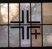 Seitenfenster mit Kreuz